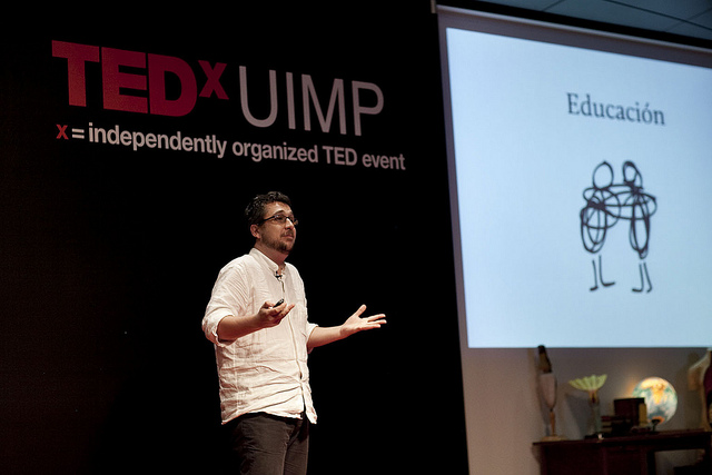 Image: Photo of Ismael Peña-López at TEDxUIMP